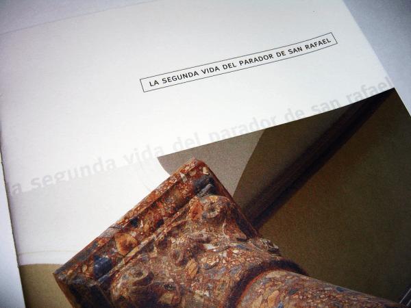 リノベーション会社パンフレット 表紙デザイン